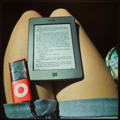 Summer is coming time for chill music and reading books lots of books #goodreadsbookchallange #books #kindle #ereader #amazon #kindletouch #plugin #headphones #ipod #music #loudmusic #summer #chillin #relax #fun #reading #sunny #neilgaiman  #roadtrip #redproduct