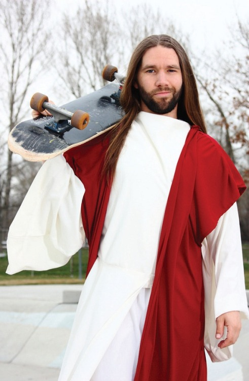 hungry-hungry-hypocrite:  he kickflips for your sins