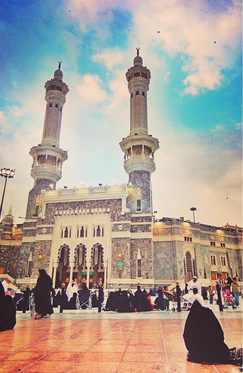 insta-meesho:  The Holy Mosque. Nikon D40 - 2010