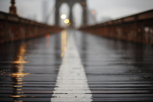 theblackworkshop:  Brooklyn Bridge (by jmschemel)