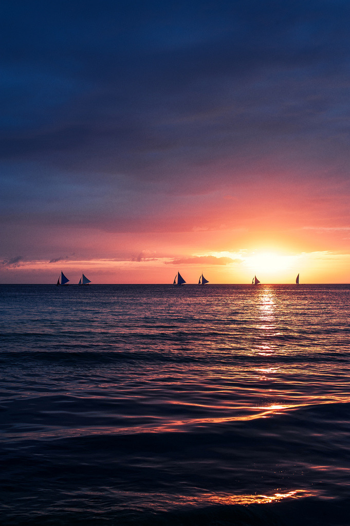 ethereo:  night is coming, Boracay (by AchillesSHAN)