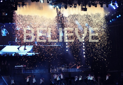 neon-chopsticks:  BELIEVE TOUR