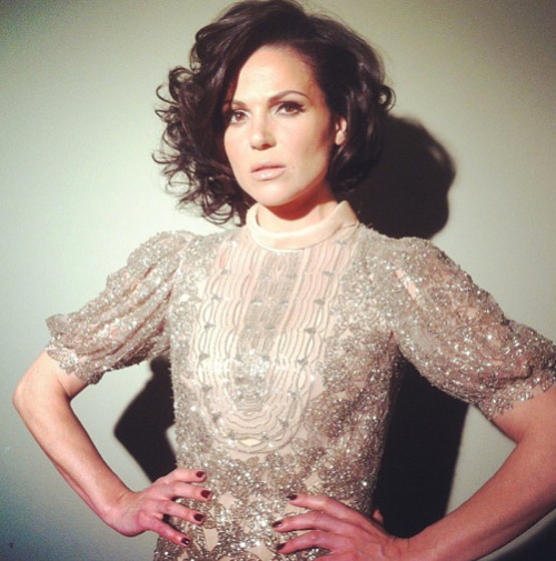 Sophia Loren inspired Lana Parrilla looked stunning in Valentino metal in nude gown (x)