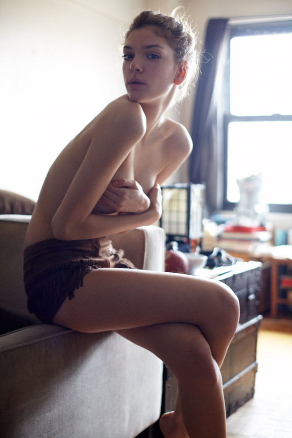 sheisglorious:  Late Morning (by Curtis Eberhardt)