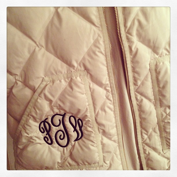 kellyinthecity:  Monogrammed @jcrew excursion vest. My cousin has style! #jcrew #prep #preppy #nantucket (at www.kellyinthecity.com)