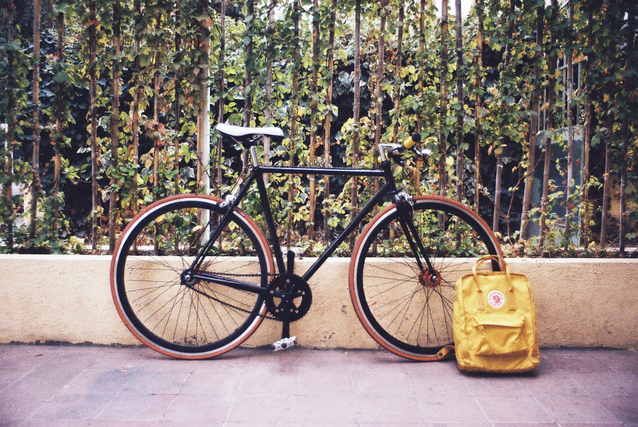 Bike and Kanken http://carlosmolina.cc/