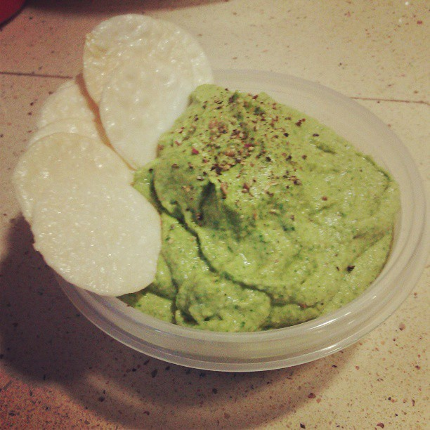 Spinach artichoke humus #vegan #whatveganseat #hummus #pregaming