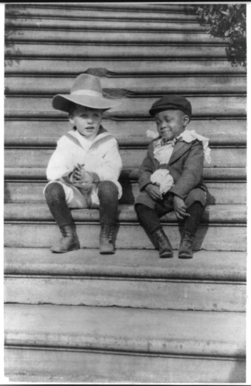 Theodore Roosevelt's son, Quentin Roosevelt and his friend, Roswell Pinckney. 1902.