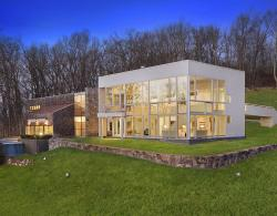 For Sale:  Richard Meier designed homes are a rare find and this is a fine one indeed.  Renovated in 2008, this modern estate in Mount Kisco features six bedroom, expansive living spaces, and a wickedly nice pool.  Priced at a pricey $4.5 million but you knew that when we said Richard Meier.   > Learn More
