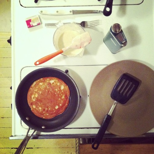 wmederski:  #friday #night (#banana #bourbon) #pancakes.
