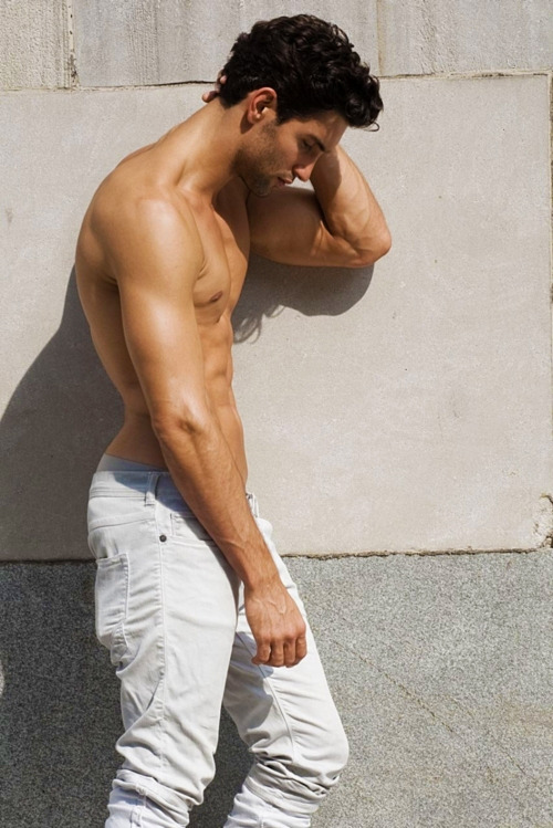 hotsouls:  sexy male model!