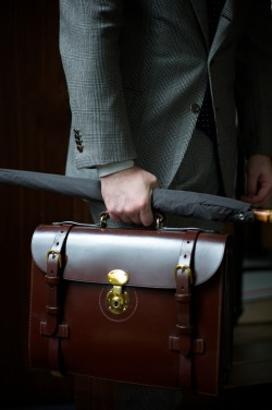 ethandesu:  The Hazel Briefcase by Ortus Komatsu San of Ortus - the man behind Clematis and some of the most refined, handmade leather goods available bespoke today - will be in attendance this coming May 31 through June 1st.  Taking commissions for his leather goods, either built from his catalogue of distinctive pieces or designed completely to order, Komatsu San's services are in high demand, and bookings are essential. info@thearmoury.com for appointments.