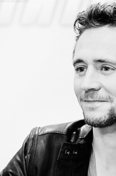 summers-of-being-wild:  pheonexus:  by hard-on-for-hiddleston  fuck me