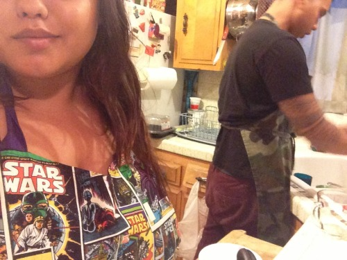 Joel's manly camo apron and my geeky Star Wars one. Cooking and cleaning how we spend most of our free nights haha ! On the menu tonight was chicken soft tacos with quinoa and zucchini ! Yum!