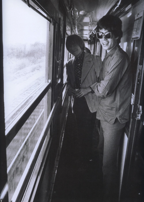 Brian Jones and Mick Jagger in the train to Marseille, 1966. © Photo by Jean-Marie Périer.
