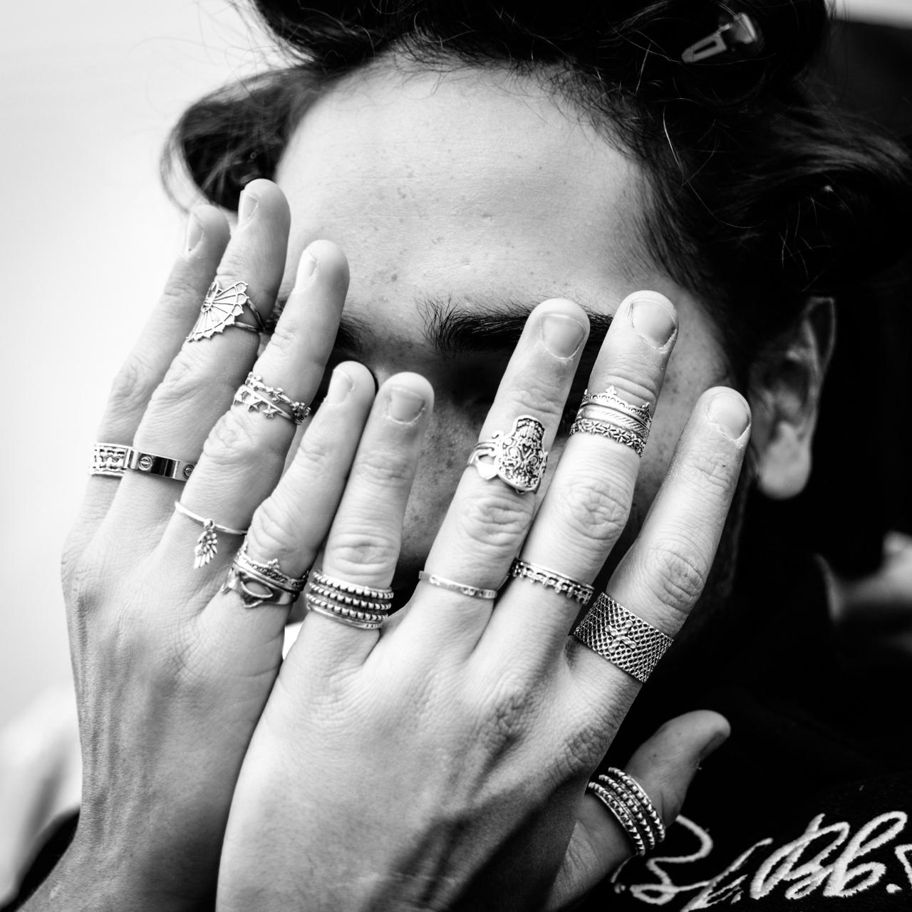 fashiondailymag:  willy and his rings, willy cartier backstage #NYFW at HOOD by AIR | made ph BFA