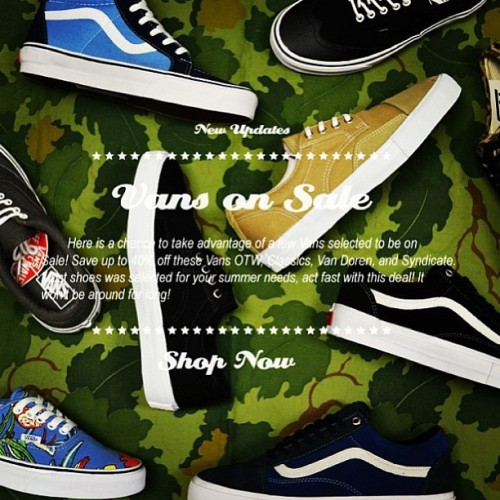 "offthewallsite:  Head on over to www.beatniconline.com to check out their nice #Vans sale going on right now!  35th Anniversary ""Jazz Stripe's"" are included!  @btnc #otws #offthewallsite #btnc"