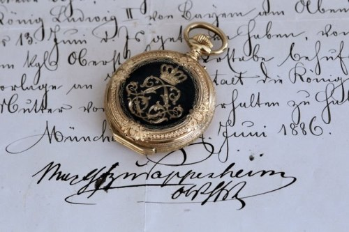 timeveil:  Golden Pocketwatch of King Ludwig II