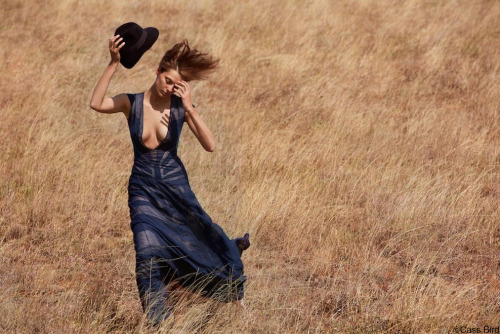 Daria Werbowy in Kenya for Maiyet.