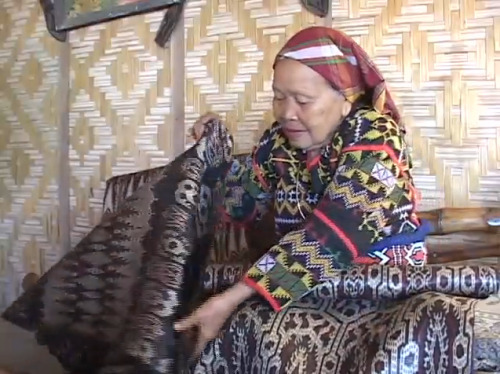 "#magicmakers —> ""Weavers' Stories: Lang Kambay Dulay"" produced by the Fowler Museum. https://vimeo.com/13790107"