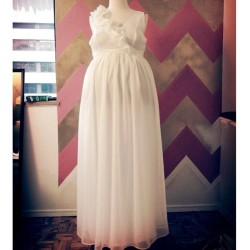 White spring dress for glam baby shower. #bespoke #fashion #design #custom #dress #chiffon #instafashion