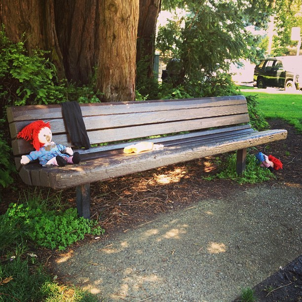 #raggedyann and #raggedyandy woke up in the park, covered in #mud with an empty #burrito wrapper and a sweater, wondering #wtf happened last night  (at Downtown Fairfax)