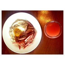 🍳 Brunch ; Eggs, Spam & Guava Nectar  (at Mi Ho Me )
