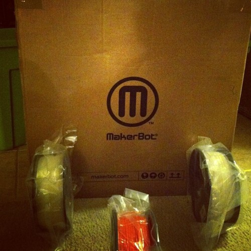 Just received my #makerbot #replicator2 #3dprinter with 3 #spools of #pla #designer #gear #industrialmanufacturing #productdesign  (at aMorle Studios )