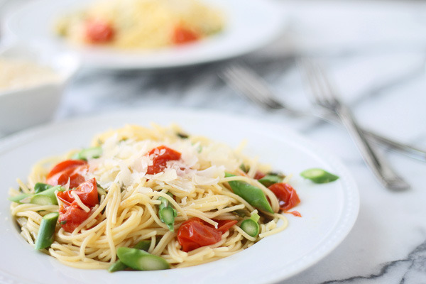 Angel Hair with Roasted Garlic, Cherry Tomatoes & Asparagus