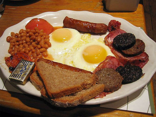 givefoodtome:  Breakfasts from around the world! Top to bottom:  England Brazil  Canda, USA Germany Italy; France Japan  Now I'm hungry…