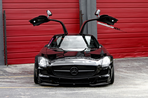 fullthrottleauto:  Mercedes SLS AMG on ADV15 TS/SL (by wheels_boutique)