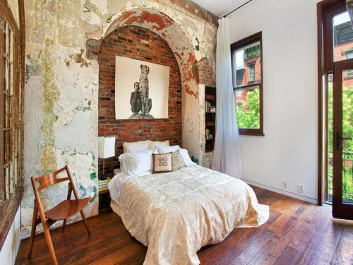 myidealhome:   bed in an arched nook (via Miss Design)