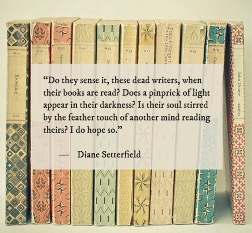 ilovereadingandwriting:  Do they sense it? (via Books! / .)
