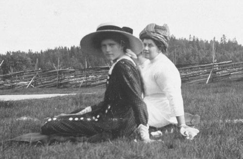 Grand Duchess Tatiana and Anna Vyrubova in Finland: 1912.
