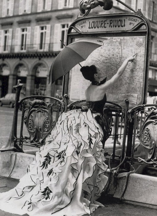 greeneyes55:  Paris Fashion Anonymous