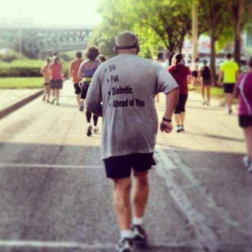 yupitshim:  One of the runners from the London marathon. Love this shirt. #LondonMarathon #Running #Motivation #Swag