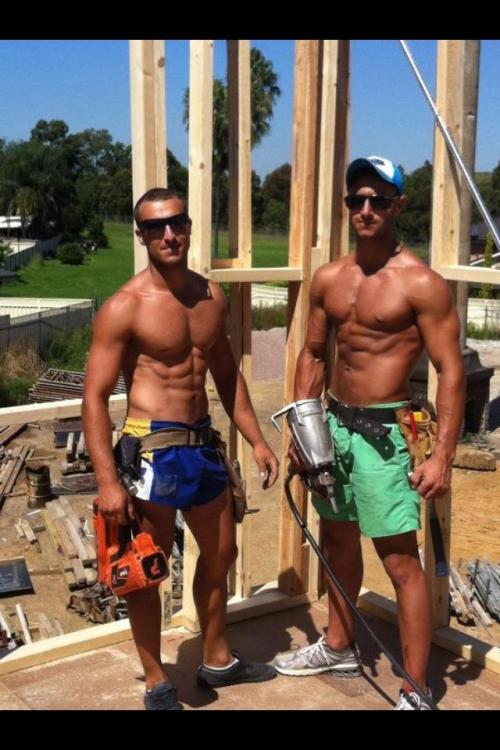 blondesquats:  24cobra:  Nice tools mates   omg
