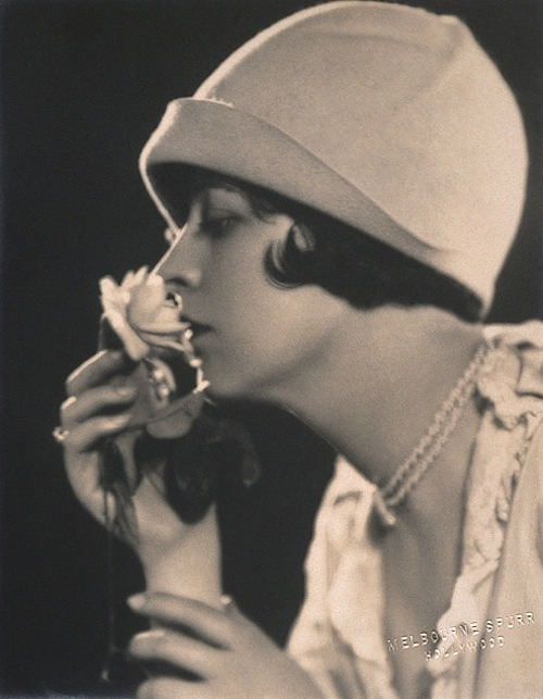 lauramcphee:  May McAvoy, c1920 (Melbourne Spurr)