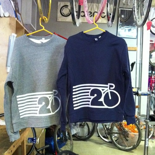iggy-cortes:  New sweatshirts. ¡For summer!! ¡Get U'rs!! ¿Gray or navy? (at Orange 20)