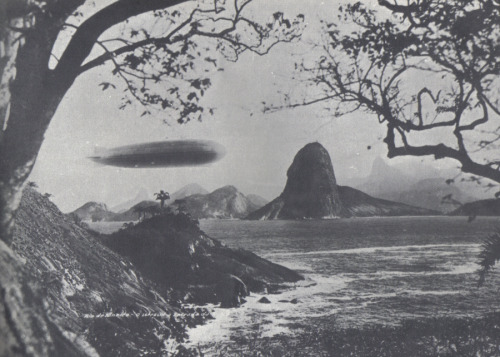 Graf Zeppelin flying over the Baía de Guanabara, May 25, 1930.