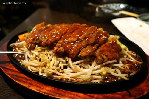 gastronomyfiles:  Chicken Teriyaki at Temaki Sushi (by deeeelish)
