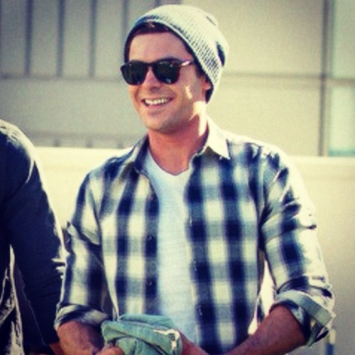 Happy #Sunday morning, everyone #weekend #zacefron #love