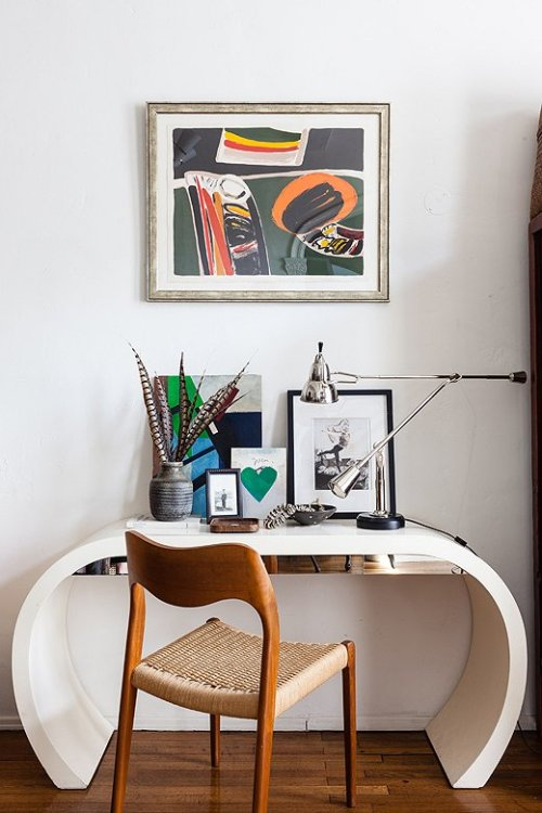love this little work space Wendy Haworth (via One Kings Lane)
