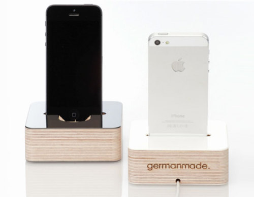 German Mad Wood iPhone 5 Docking Station : Sleek, Natural and Beautiful Design