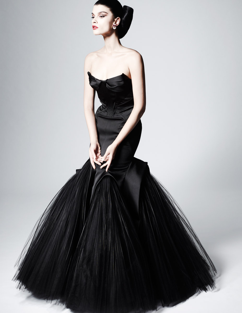 suicideblonde:  Crystal Renn - Zac Posen Pre-Fall 2013