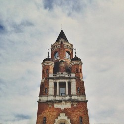 Gardoš tower. #serbia #belgrade #zemun #sightseeing #tower #architecture #sky #clouds (at Zemun)