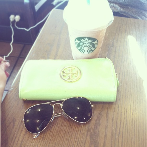 seashellsandpastels:  I'm so white girl (at Starbucks)