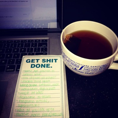 lonicolee:   The Motto ✌📚☕ #college #studying #macbook #tea #julliard #westernwednesday #interview #questions #getshitdone (at The Chamber of Secrets )