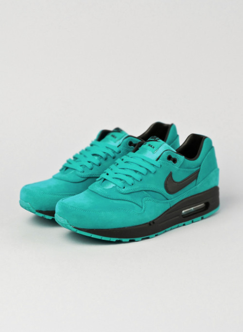shoe-pornn:  Nike Air Max 1-Turquiose/Black PS Special.