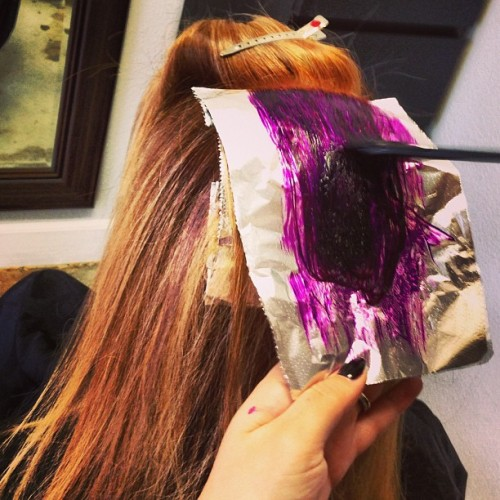Vibrant Purple Highlights #getsome #purplehair #highlights #punky #funky #redhead #beautybirdlounge  #redondobeach #hairsalon #torrance #carson @hairbybeth #adore  (at beauty bird lounge)